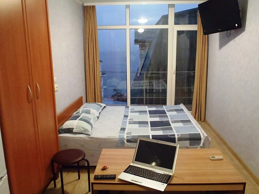 1-комнатная квартира посуточно в Ялте. ул.Матросский переулок, 5. Фото 1