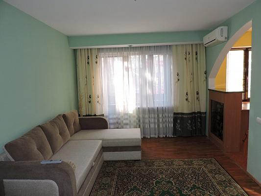 2-комнатная квартира посуточно в Чернигове. Деснянский район, пр-т Победы, 93. Фото 1