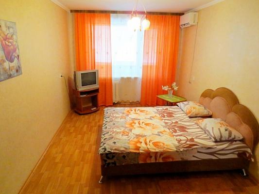 1-комнатная квартира посуточно в Черкассах. ул. Гоголя, 290. Фото 1