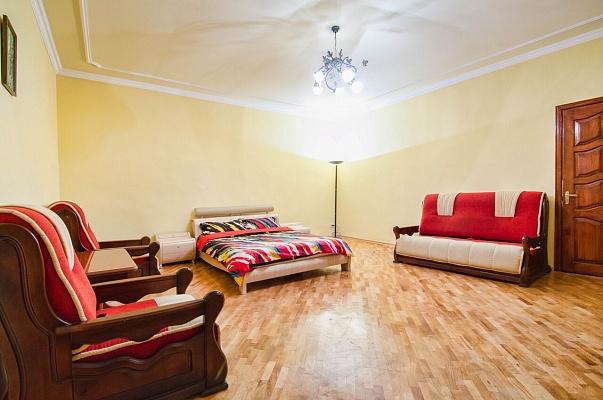2-комнатная квартира посуточно в Львове. Галицкий район, ул. Друкарская, 6. Фото 1