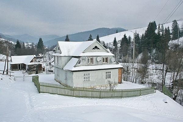 Дом  посуточно в Яблунице. ул. Село, 66. Фото 1