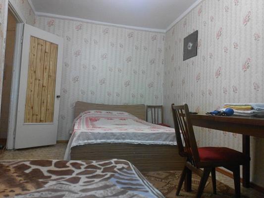 1-комнатная квартира посуточно в Симферополе. Киевский район, ул. Ростовская, 6. Фото 1