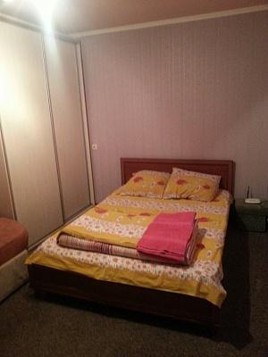 1-комнатная квартира посуточно в Киеве. Оболонский район, пр-т Оболонский, 15-Б. Фото 1