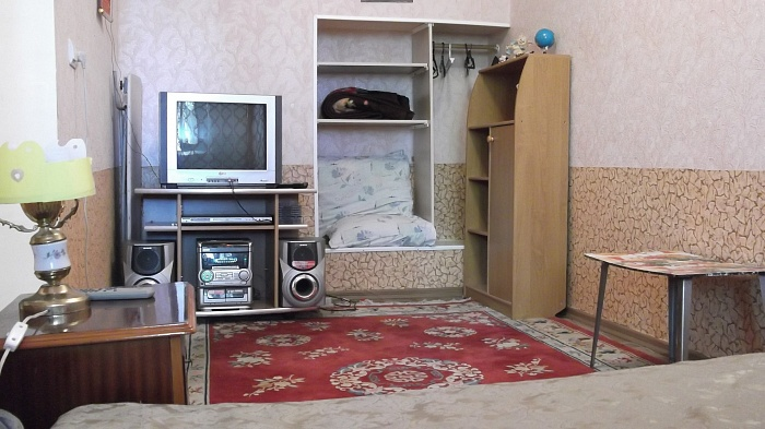 1-комнатная квартира посуточно в Керчи. ул. Айвазовского, 31. Фото 1