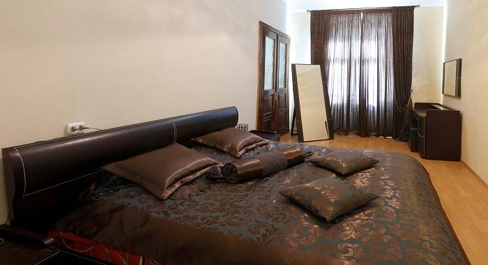 3-комнатная квартира посуточно в Львове. Галицкий район, ул. Костюшка, 16. Фото 1