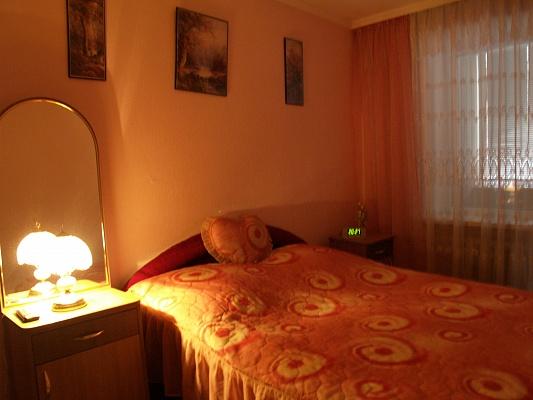 2-комнатная квартира посуточно в Хмельницком. пр-т Мира, 92. Фото 1