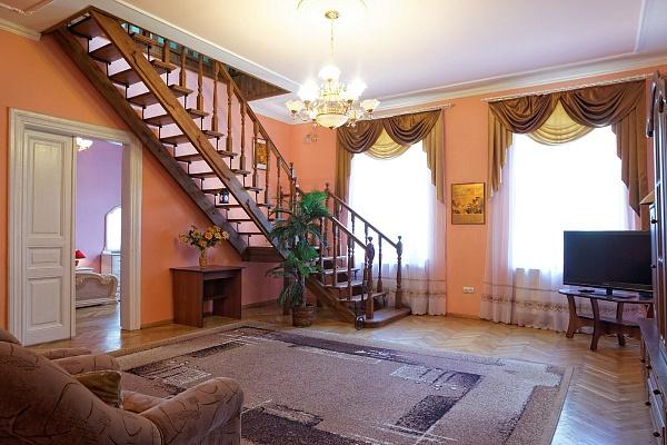 4-комнатная квартира посуточно в Львове. Лычаковский район, ул. Левицкого, 68. Фото 1