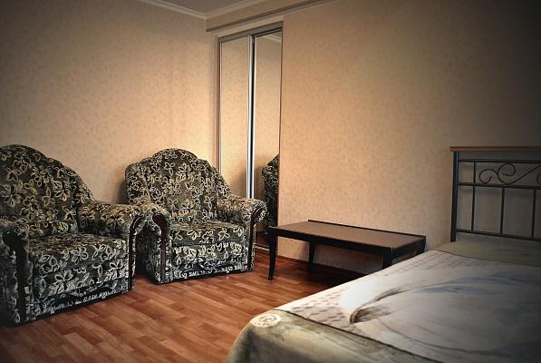 1-комнатная квартира посуточно в Донецке. Ворошиловский район, пр-т Гринкевича, 3. Фото 1