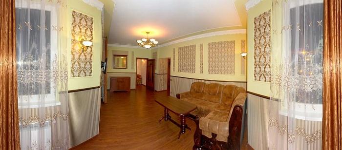 2-комнатная квартира посуточно в Трускавце. ул. Ивасюка, 7а. Фото 1