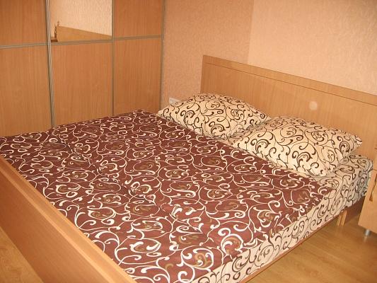 2-комнатная квартира посуточно в Луцке. пр-т Возрождения. Фото 1