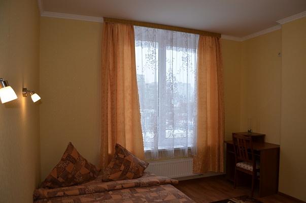 1-комнатная квартира посуточно в Киеве. Оболонский район, ул. Богатырская, 6а. Фото 1