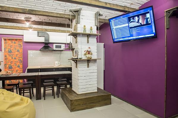 4-комнатная квартира посуточно в Харькове. Краснозаводской район, пр-т Московский, 36. Фото 1