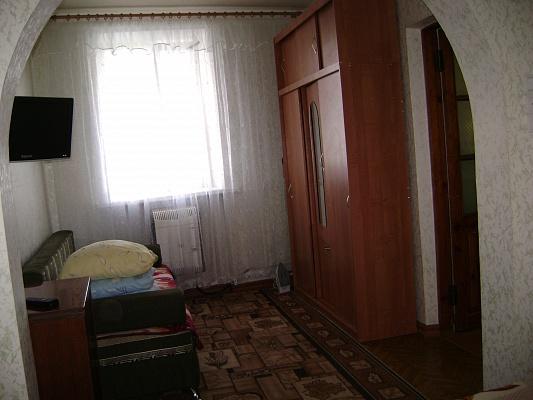 2-комнатная квартира посуточно в Евпатории. пер. Пролетный, 5. Фото 1