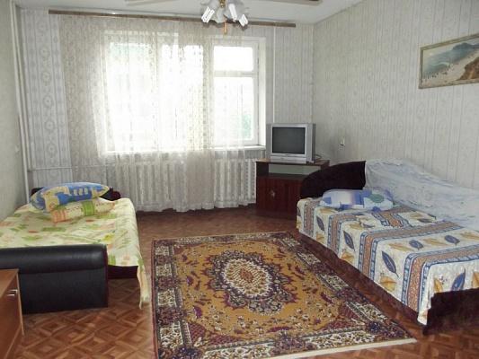 1-комнатная квартира посуточно в Феодосии. ул. Крымская, 82. Фото 1