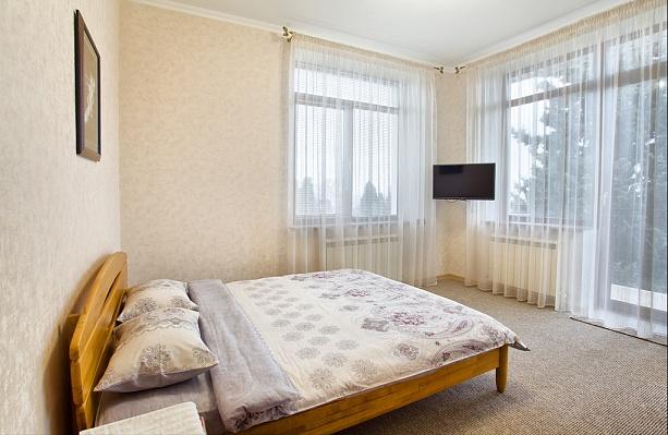3-комнатная квартира посуточно в Ялте. ул. Нагорная, 5. Фото 1