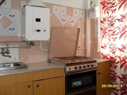 2-комнатная квартира посуточно в Бердянске. пр-т Победы, 6. Фото 1