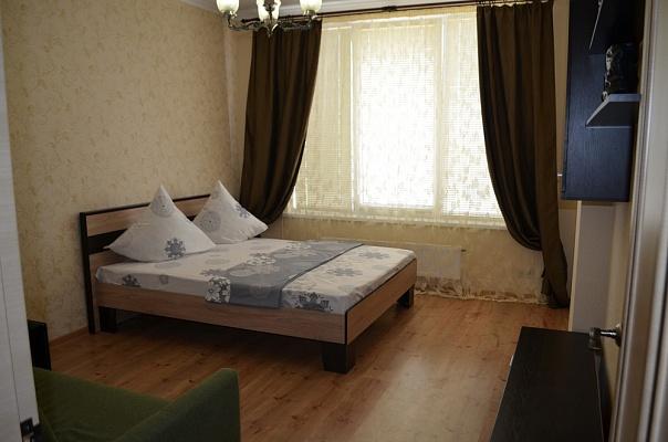 1-комнатная квартира посуточно в Киеве. Оболонский район, ул. Богатырская, 6-а. Фото 1