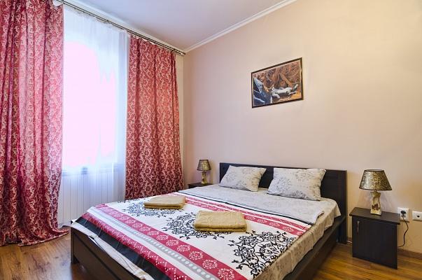 2-комнатная квартира посуточно в Львове. Галицкий район, ул. Стефаника, 11. Фото 1