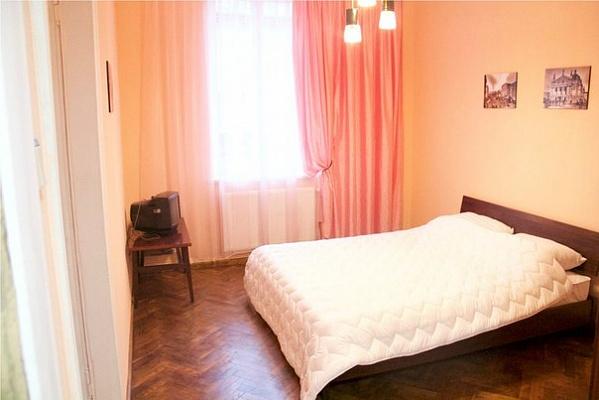 2-комнатная квартира посуточно в Львове. Шевченковский район, ул. Креховская, 5. Фото 1