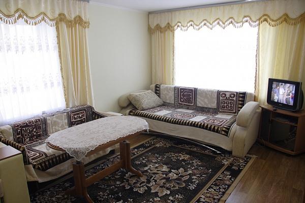 1-комнатная квартира посуточно в Умани. ул. Урицкого, 32. Фото 1
