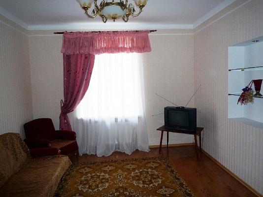 2-комнатная квартира посуточно в Черкассах. ул. Смелянская, 2. Фото 1