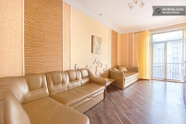 4-комнатная квартира посуточно в Киеве. Печерский район, Крещатик , 13. Фото 1