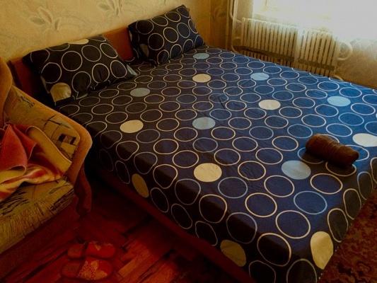 1-комнатная квартира посуточно в Запорожье. Жовтневый район, ул. Школьная, 20. Фото 1