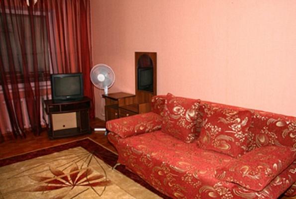 1-комнатная квартира посуточно в Борисполе. ул. Бабкина, 4. Фото 1