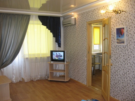 1-комнатная квартира посуточно в Кременчуге. ул. Победы, 6. Фото 1