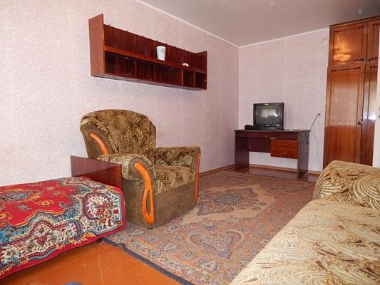 1-комнатная квартира посуточно в Алчевске. ул. Ленина, 13. Фото 1