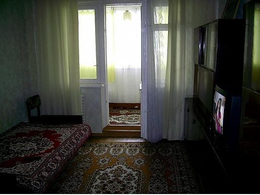 1-комнатная квартира посуточно в Ялте. ул. Кривошты, 3. Фото 1