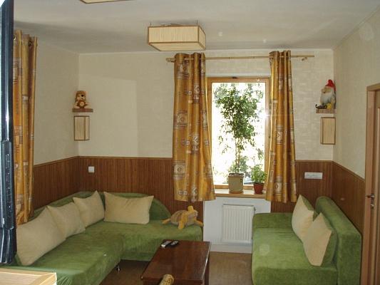 2-комнатная квартира посуточно в Ялте. ул. Поликуровская, 11. Фото 1