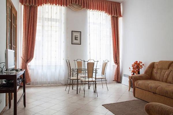 2-комнатная квартира посуточно в Львове. Галицкий район, ул. Беринды, 3. Фото 1