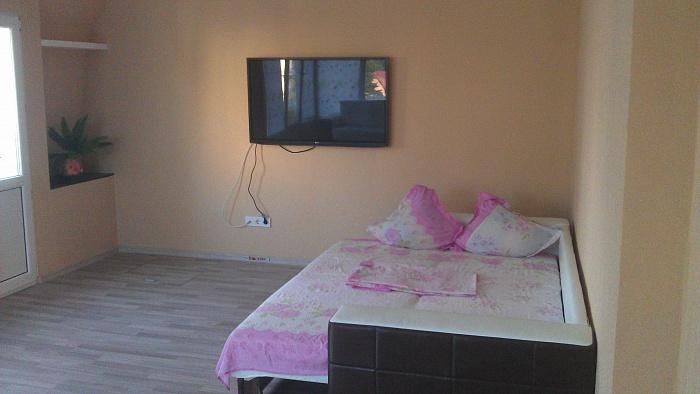 2-комнатная квартира посуточно в Алуште. ул. Горького, 23. Фото 1