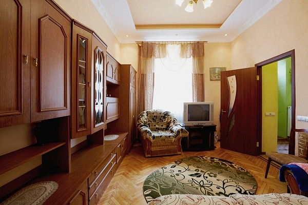 1-комнатная квартира посуточно в Львове. Галицкий район, ул. Ярослава Мудрого, 16. Фото 1