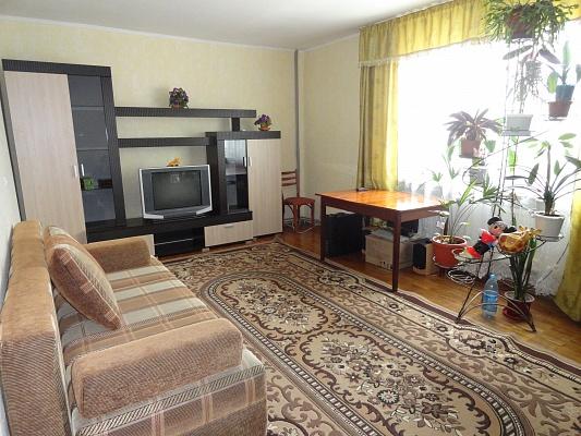 2-комнатная квартира посуточно в Феодосии. ул. Федько, 91А. Фото 1
