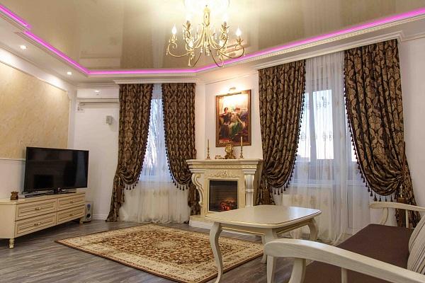 2-комнатная квартира посуточно в Кременчуге. ул Советская, 24. Фото 1