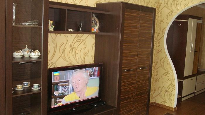 2-комнатная квартира посуточно в Бердичеве. ул. Шелушкова, 23. Фото 1