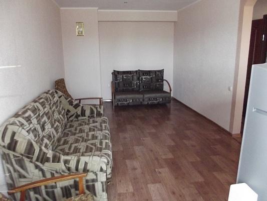 1-комнатная квартира посуточно в Феодосии. пер. Танкистов, 18. Фото 1