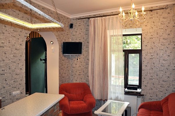 1-комнатная квартира посуточно в Одессе. Приморский район, Военный спуск, 6. Фото 1