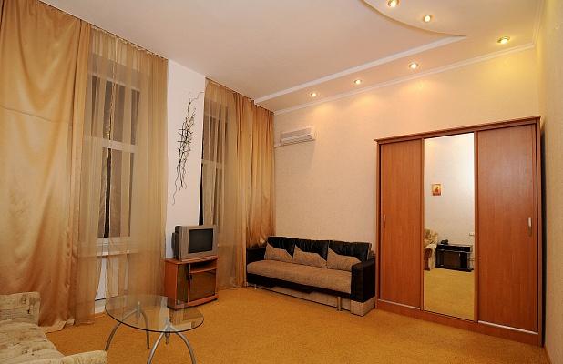 1-комнатная квартира посуточно в Харькове. Киевский район, ул. Мироносицкая, 65. Фото 1