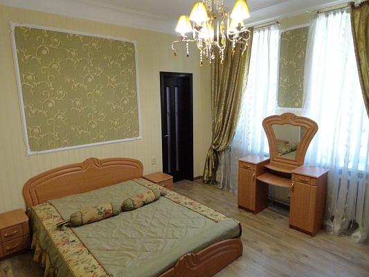 2-комнатная квартира посуточно в Одессе. Суворовский район, ул. Красная, 5. Фото 1