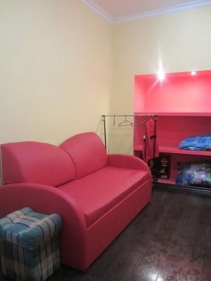 1-комнатная квартира посуточно в Львове. Галицкий район, ул. Б.Хмельницкого, 11. Фото 1