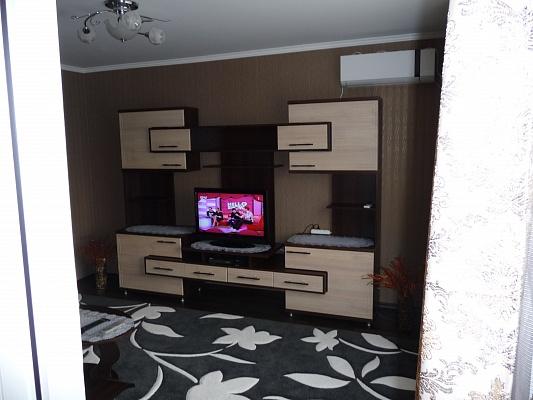 2-комнатная квартира посуточно в Белгороде-Днестровском. ул. Солнечная, 11. Фото 1