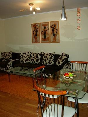 2-комнатная квартира посуточно в Чернигове. Новозаводской район, пр-т Победы, 18. Фото 1