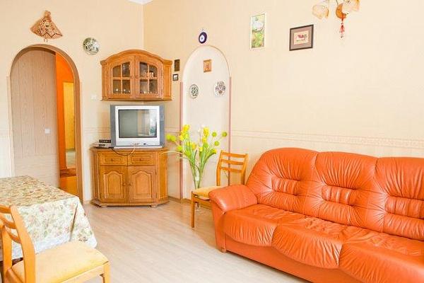 3-комнатная квартира посуточно в Киеве. Голосеевский район, ул. Паньковская, 3. Фото 1