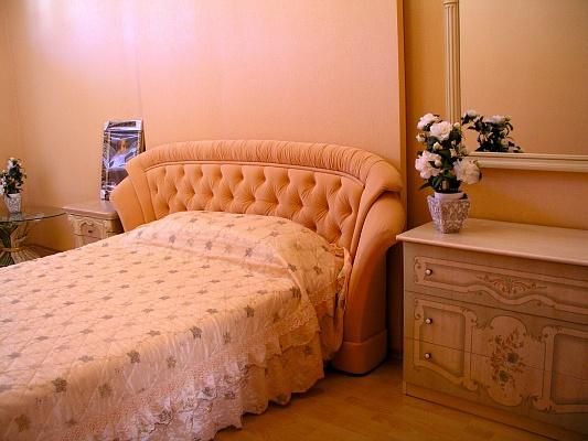 5-комнатная квартира посуточно в Коктебеле. ул. Морская, 87. Фото 1