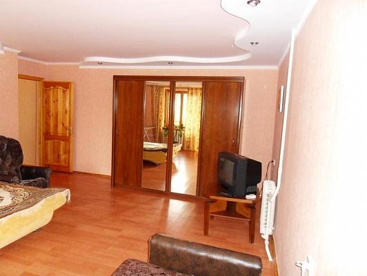 1-комнатная квартира посуточно в Евпатории. ул. 60 лет ВЛКСМ, 6. Фото 1