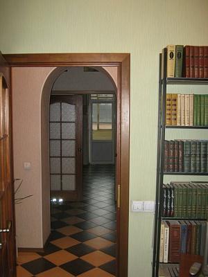2-комнатная квартира посуточно в Львове. Галицкий район, ул. Курбаса. Фото 1