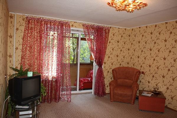1-комнатная квартира посуточно в Запорожье. Коммунарский район, ул. Олимпийская, 16. Фото 1